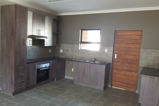 kitchen designers in bloemfontein kitchen designs and prices 703